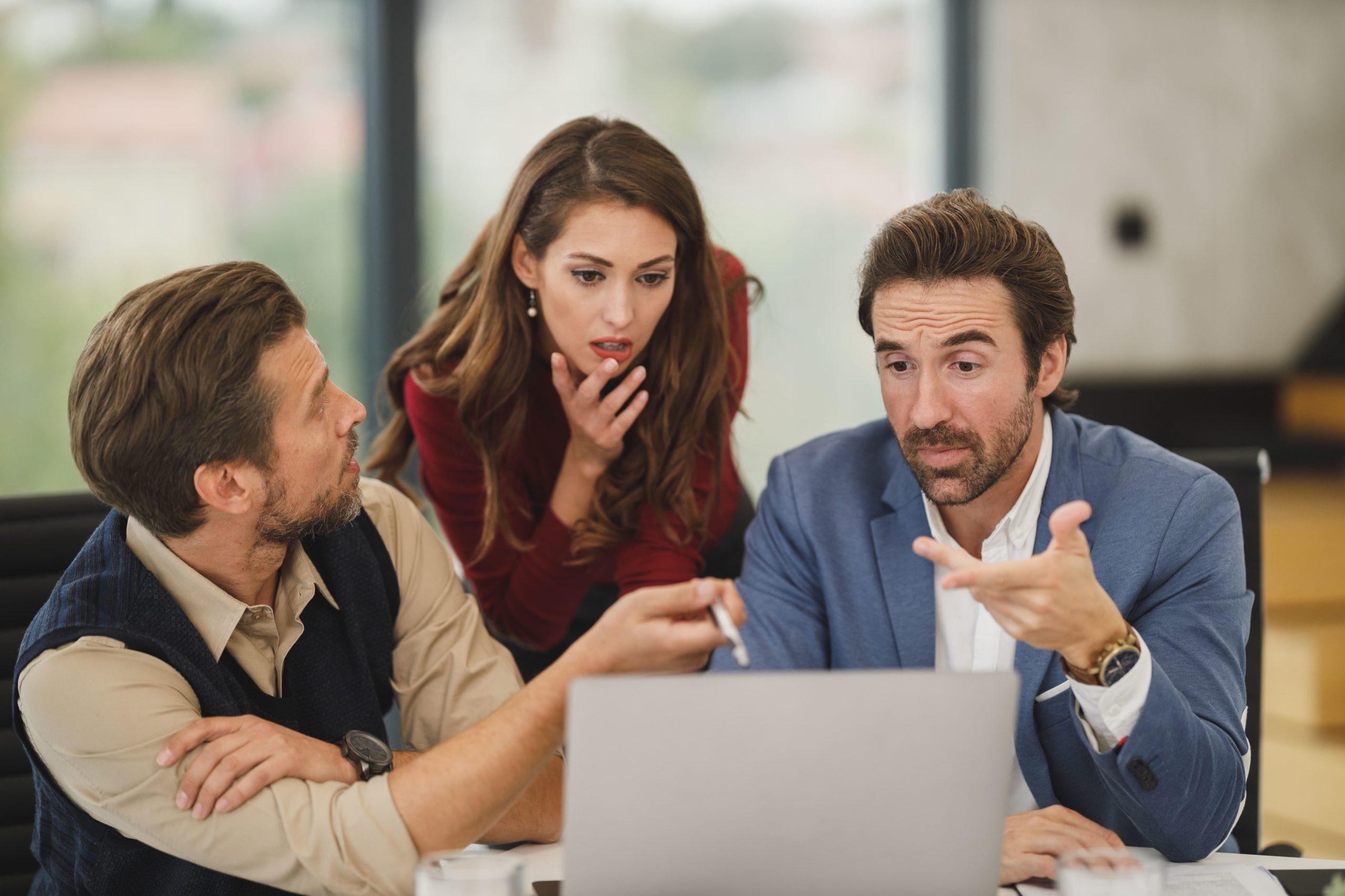 資産運用始める初心者は株式投資と投資信託のどっちがいい?