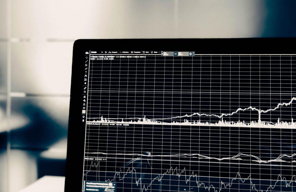 株式投資と投資信託の特徴